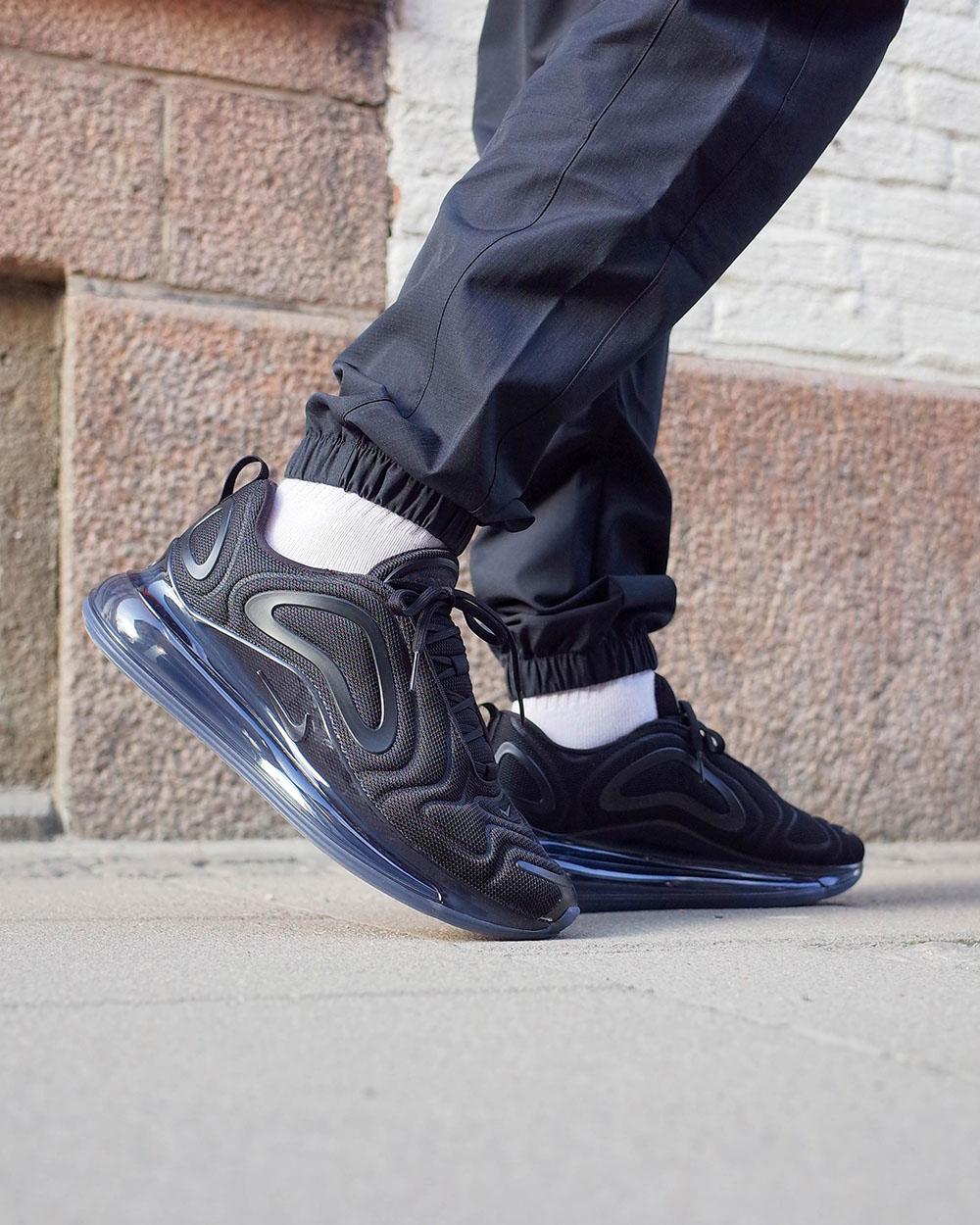 278eece2d655 SHELTA - sneakers & street fashion since 2004