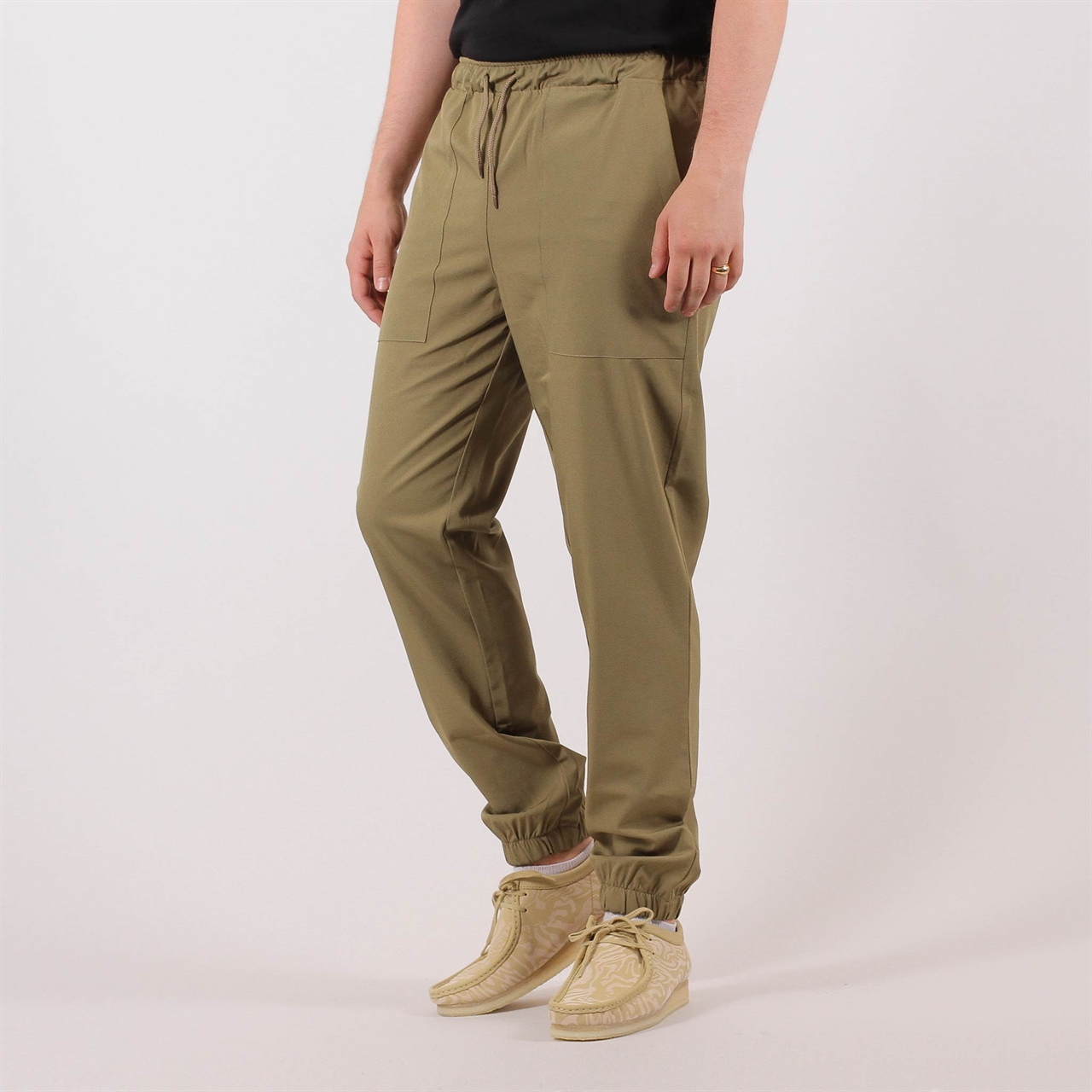 a42b5dc7b50f2b Le Fix Loose Fit Pants Army (18020400600) - Shelta