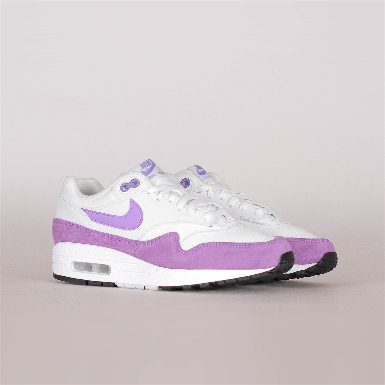 watch 6f99c c9173 Womens Air Max 1 (319986-118). 145 145EUR   a pair. Colorway  Summit White Atomic  Violet-Black