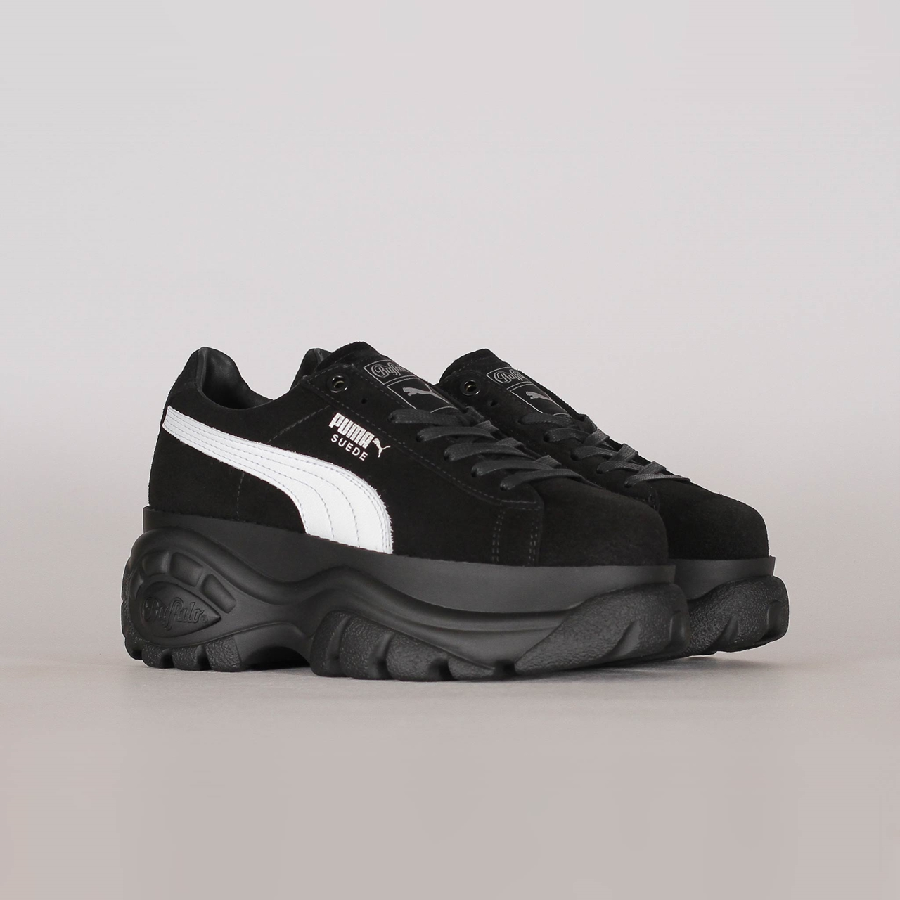 a531ea62cb30 x Buffalo Suede Classic Black (368499-002). 159 159EUR   a pair. Colorway   Puma ...