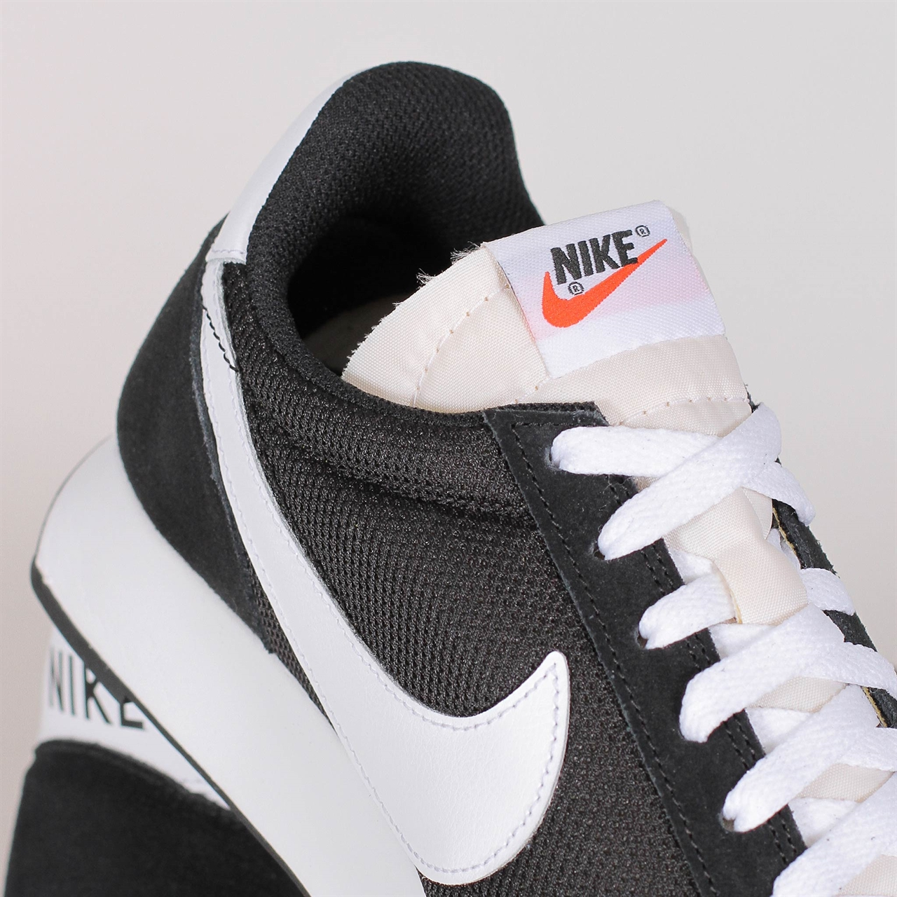 6f7d91dab56265 Shelta - Nike Air Tailwind 79 (487754-009)