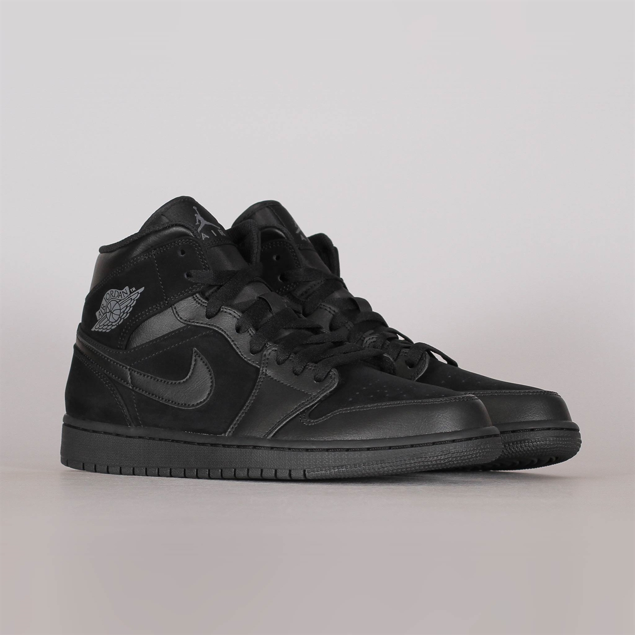 quality design 9e5ea 8d2fc Shelta - Nike Air Jordan 1 Mid (554724-050)
