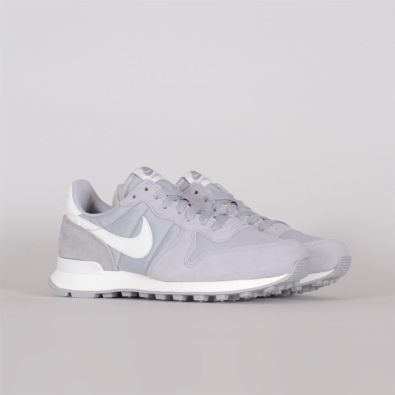 6b2d5d3f52fc Shelta - Nike Sportswear Womens Internationalist (828407-023)