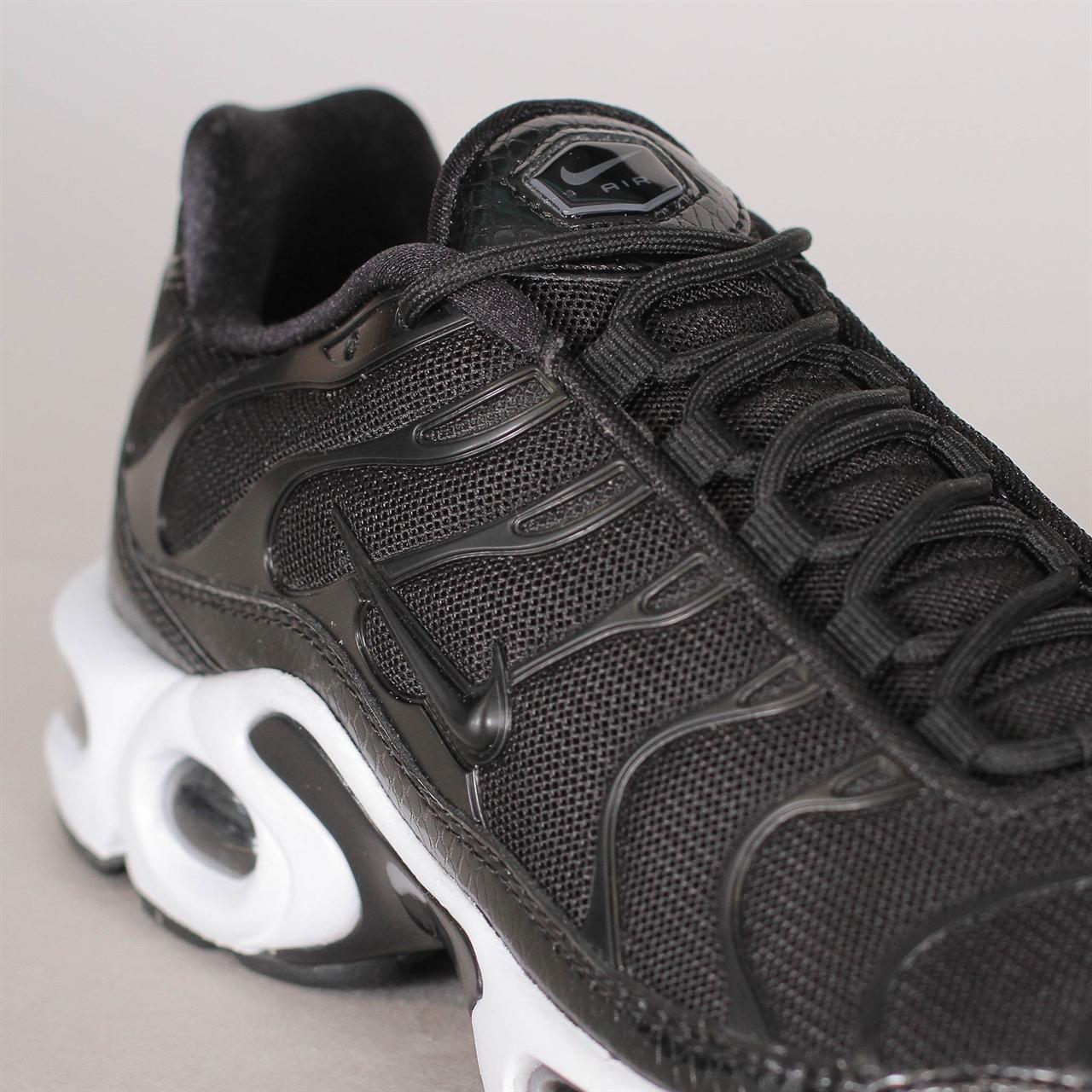 Shelta - Nike Womens Air Max Plus SE (862201-004) 0b3c70fd8