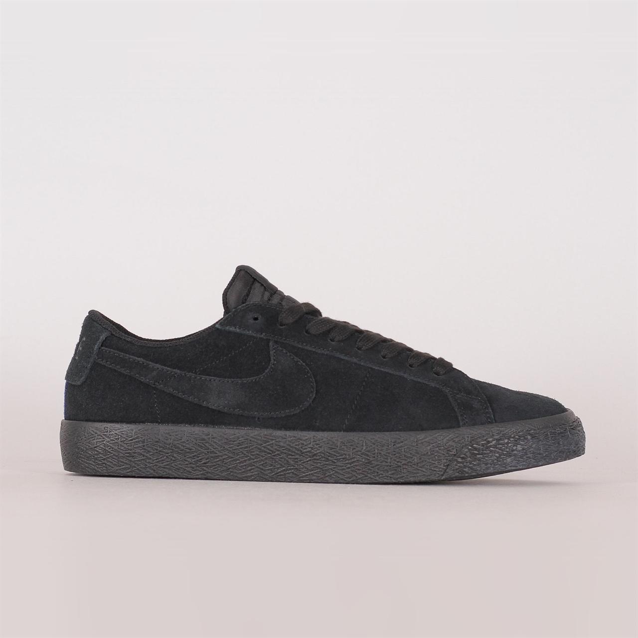 60a9f9b282de Shelta - Nike SB Zoom Blazer Low (864347-004)