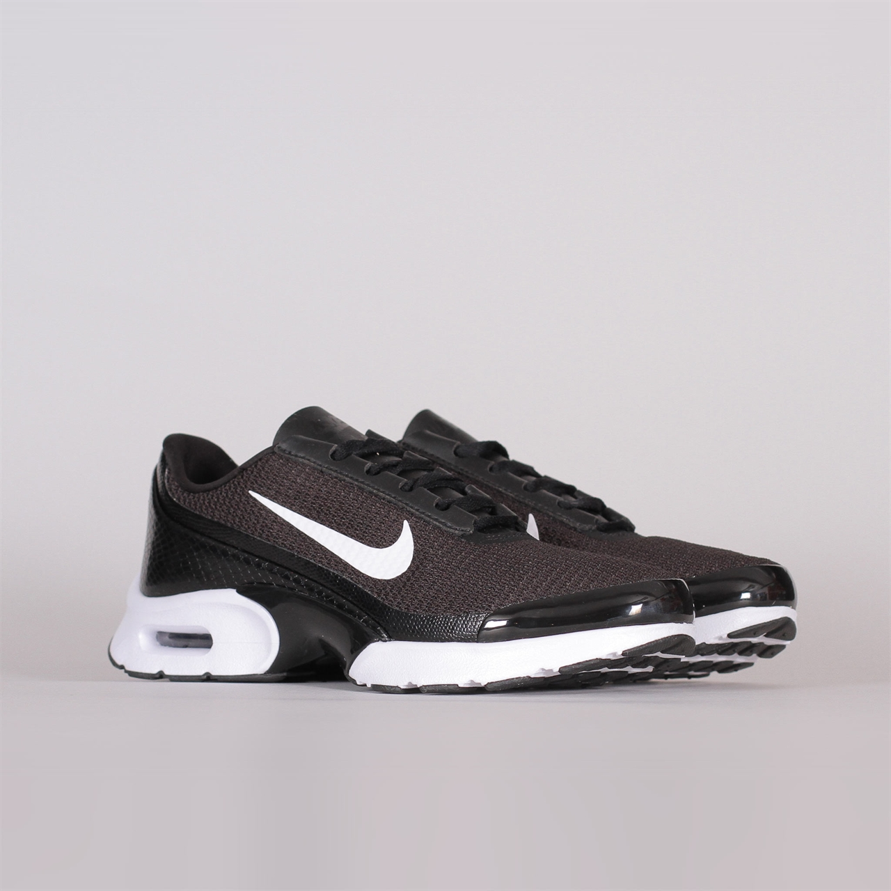 Shelta - Nike Sportswear Womens Air Max Jewel (896194-012) ac4abfe86f6b