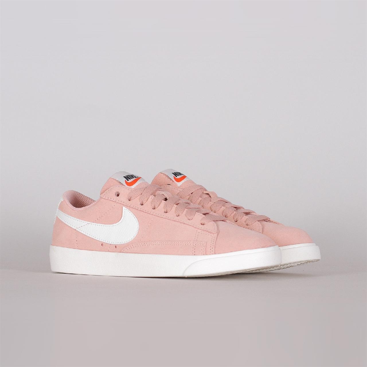 ee8018682b38 Shelta - Nike Sportswear Womens Blazer Low SD (AA3962-605)