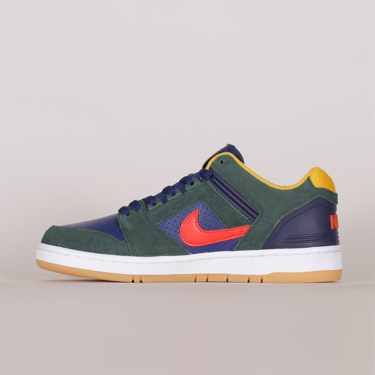 sports shoes caff7 fa6b7 Sneakers   footwear