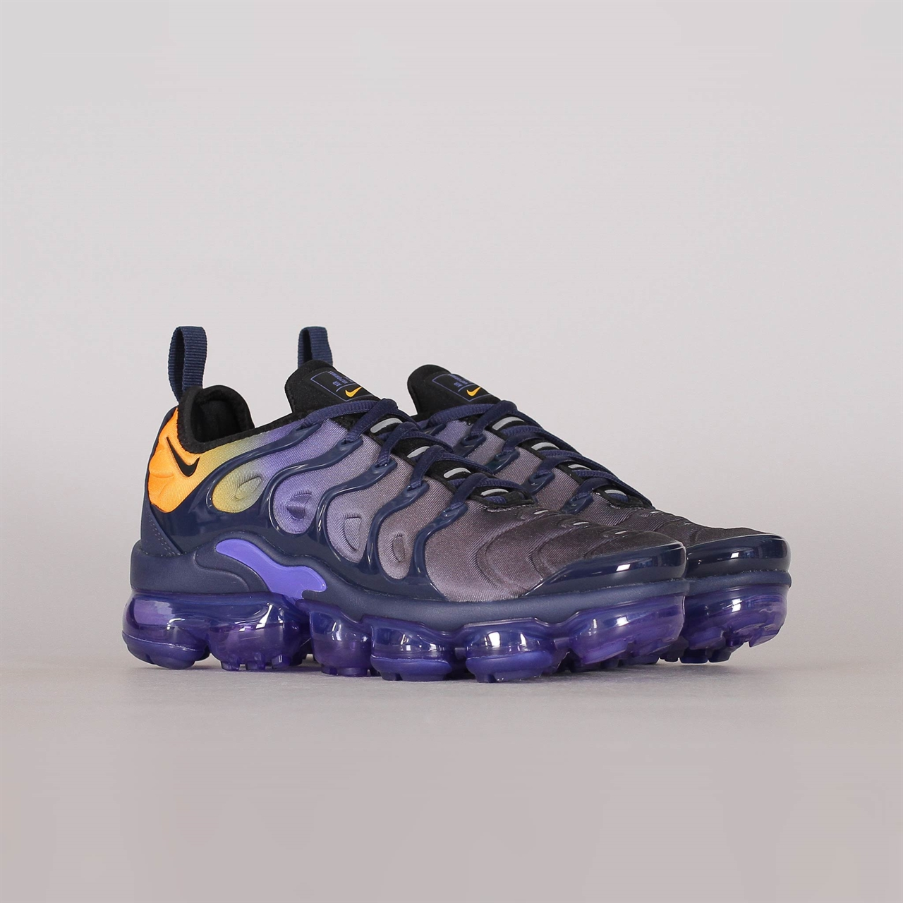 newest 21c48 9d907 Shelta - Nike Womens Air Vapormax Plus (AO4550-500)