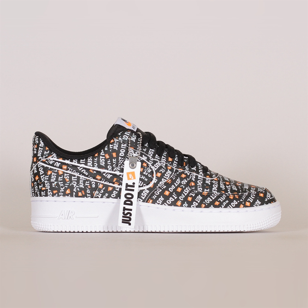 cheap for discount b0854 9b165 Shelta - Nike Sportswear Air Force 1 07 LV8  Just Do It  (AO