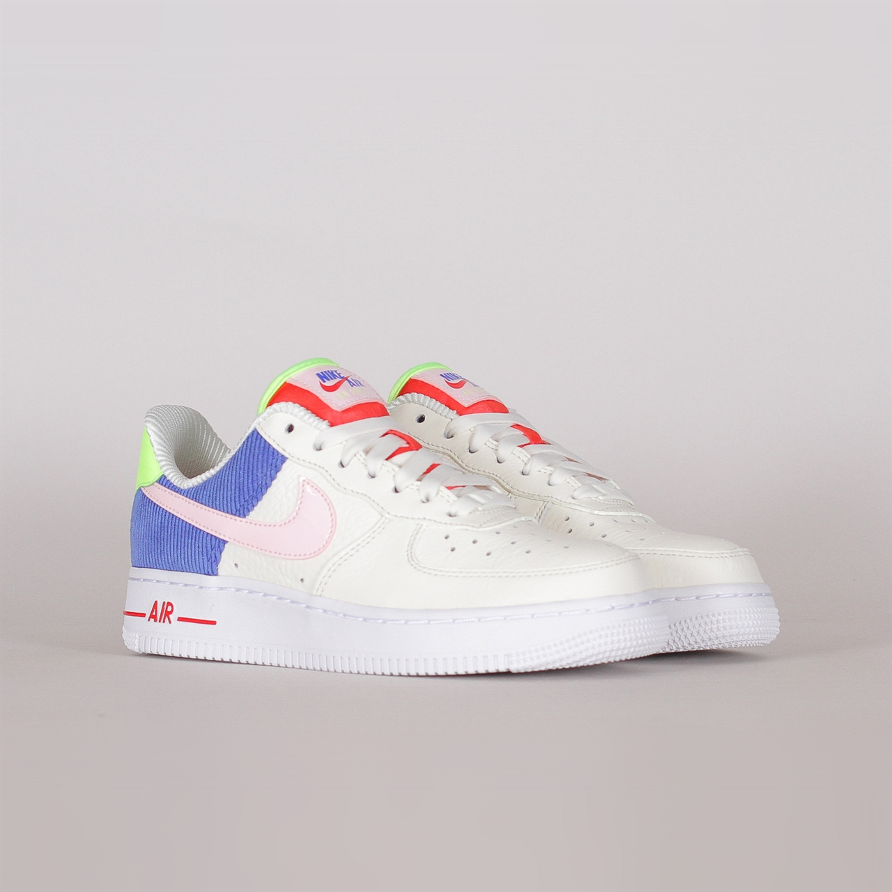 huge selection of 163ef 014f3 Womens Air Force 1 Low (AQ4139-101). 109EUR   a pair. Colorway  Sail Arctic  Pink-Racer Blue