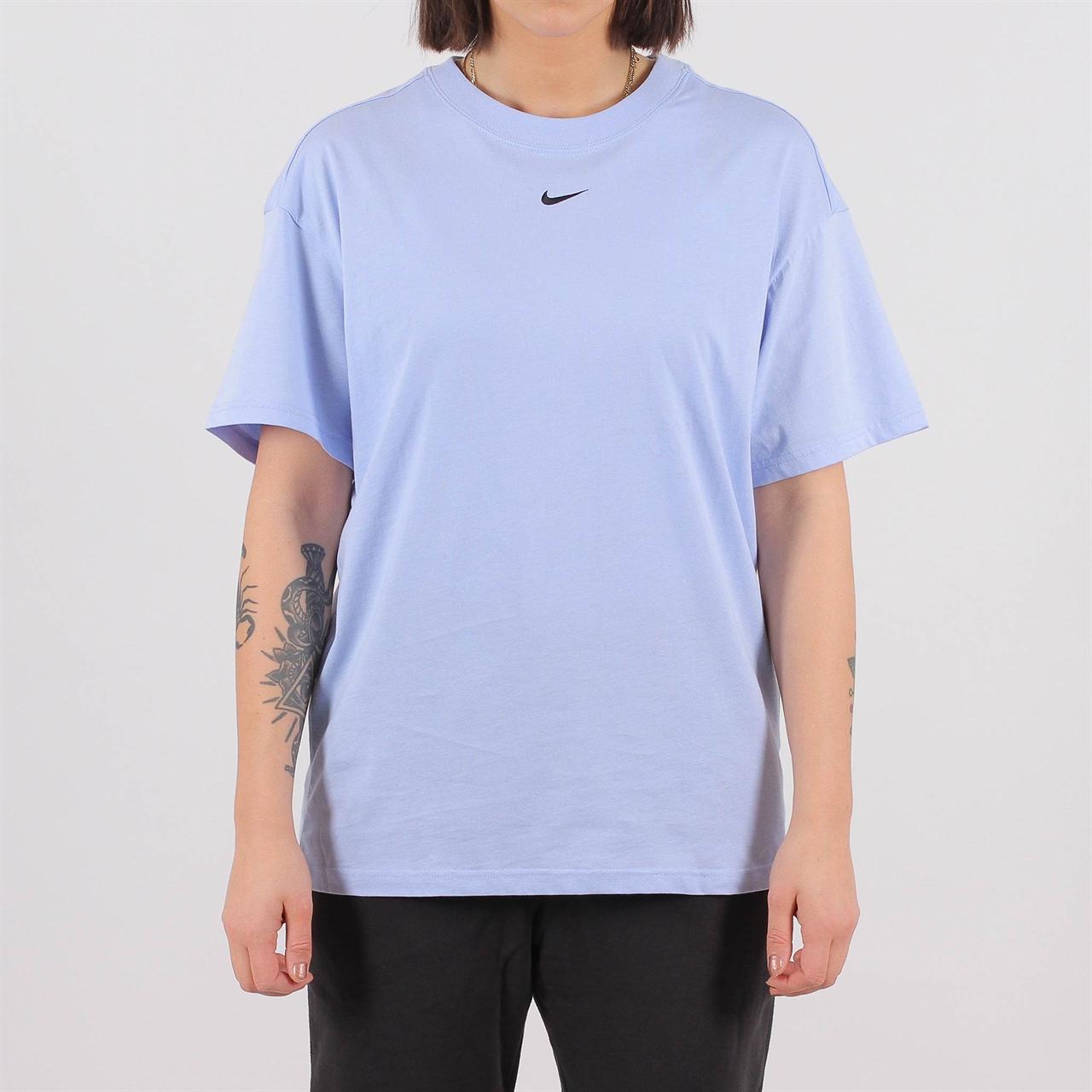 2de298b00405 Shelta - Nike Womens Essential Top Blue (AR3145-450)