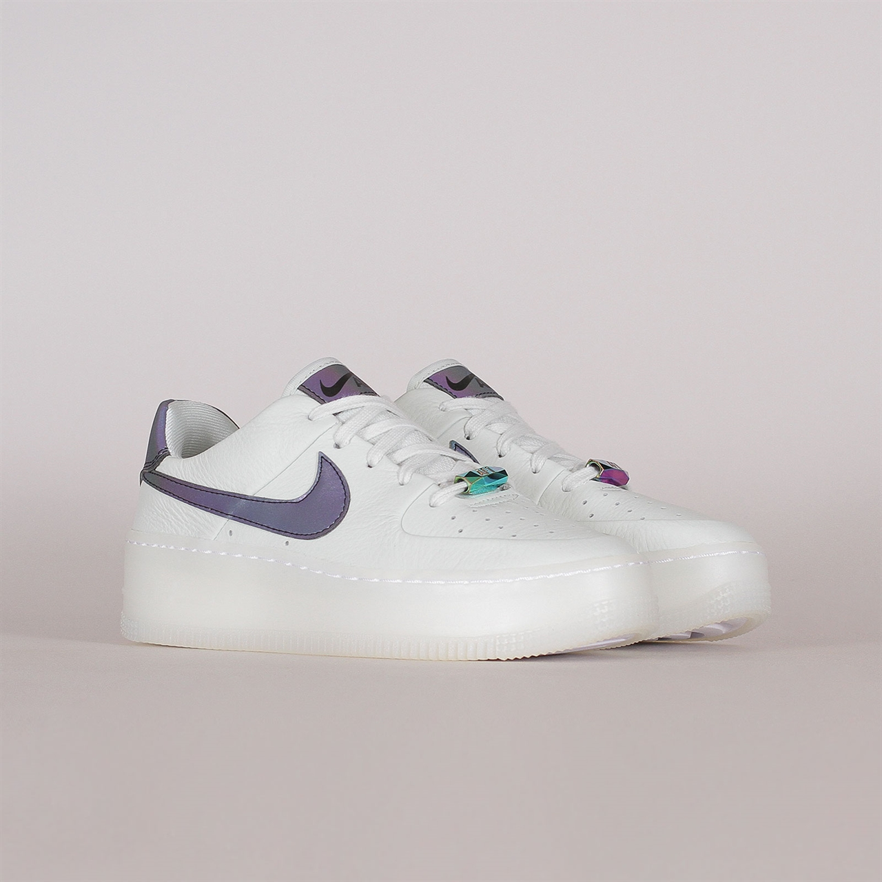 Shelta Nike Womens Air Force 1 Sage Low LX (AR5409 003)