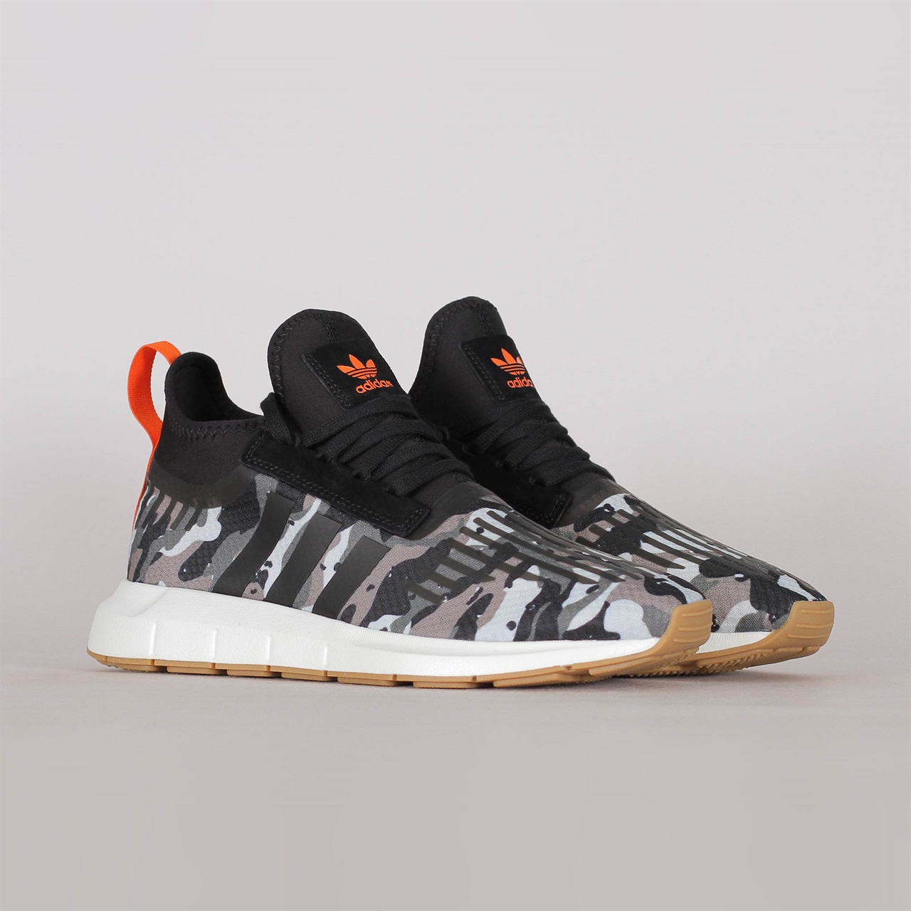 2bff5abdb35b0 Shelta - Adidas Originals Swift Run Barrier (B42234)