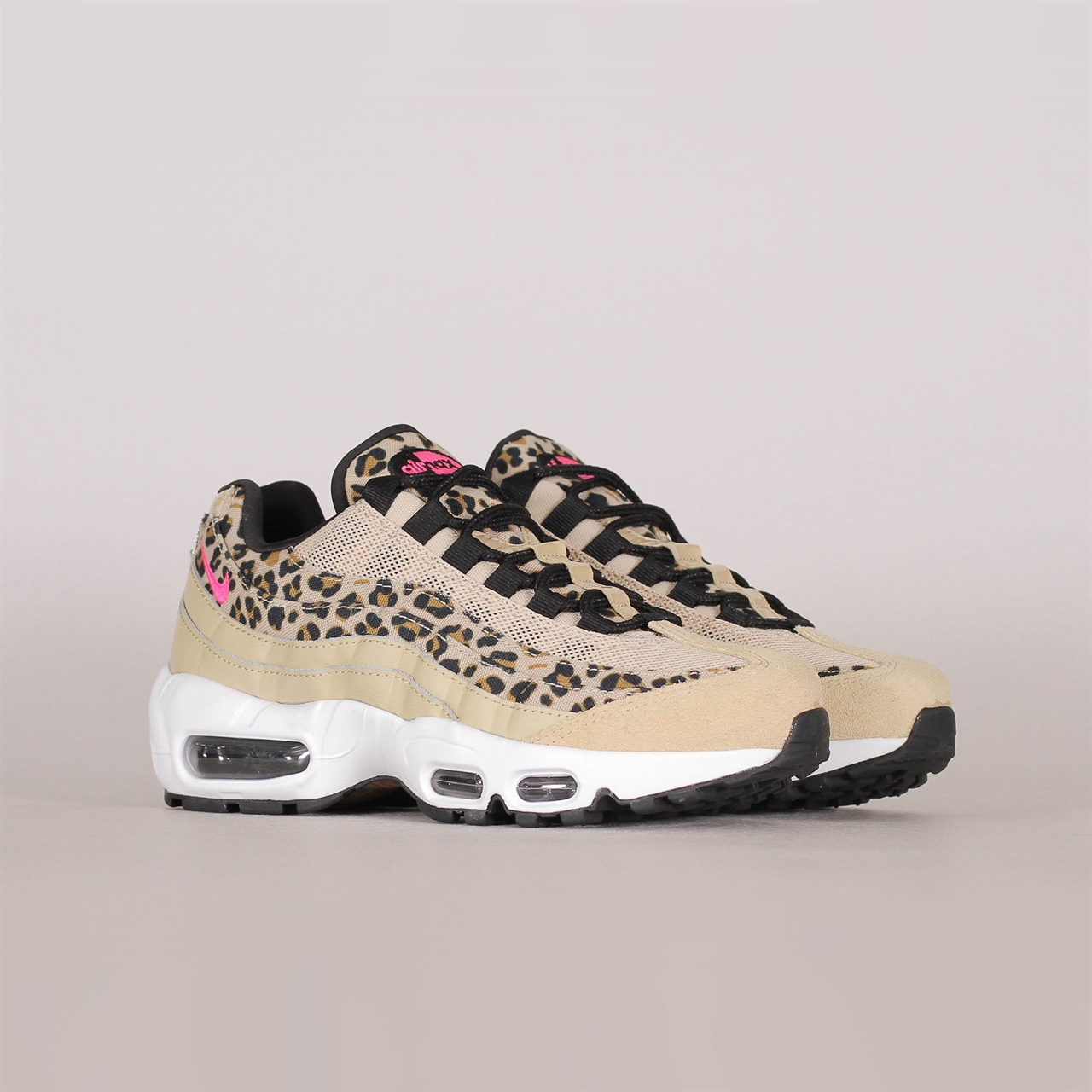 free shipping 64118 f2057 Shelta - Nike Womens Air Max 95 Premium (CD0180-200)