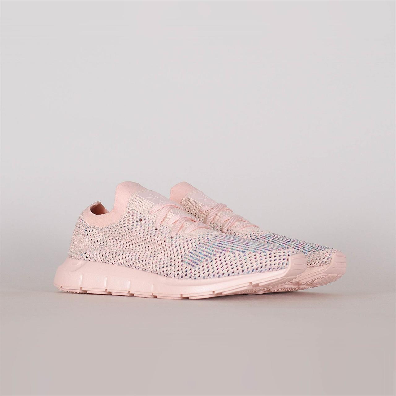 dfe6a28ce0624 Shelta - Adidas Originals Womens Swift Run Primeknit (CG4134)