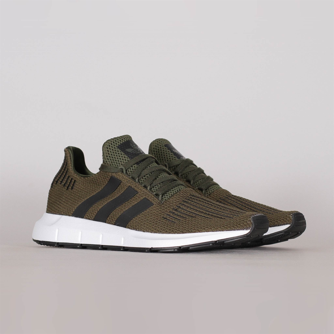 334a918e62696 Shelta - Adidas Originals Swift Run (CG6167)