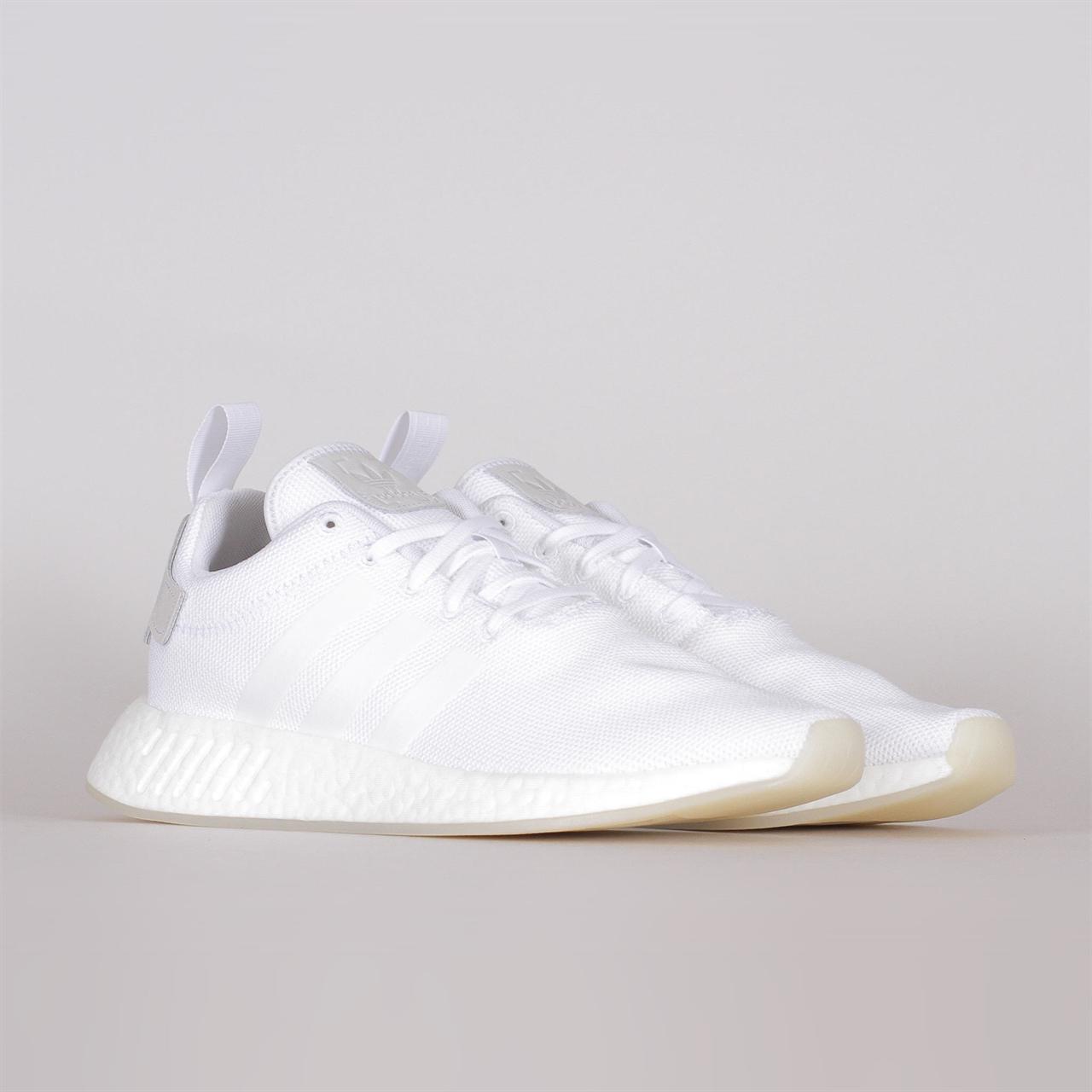 quality design c7a2e f126e Shelta - Adidas Originals NMD R2 (CQ2401)