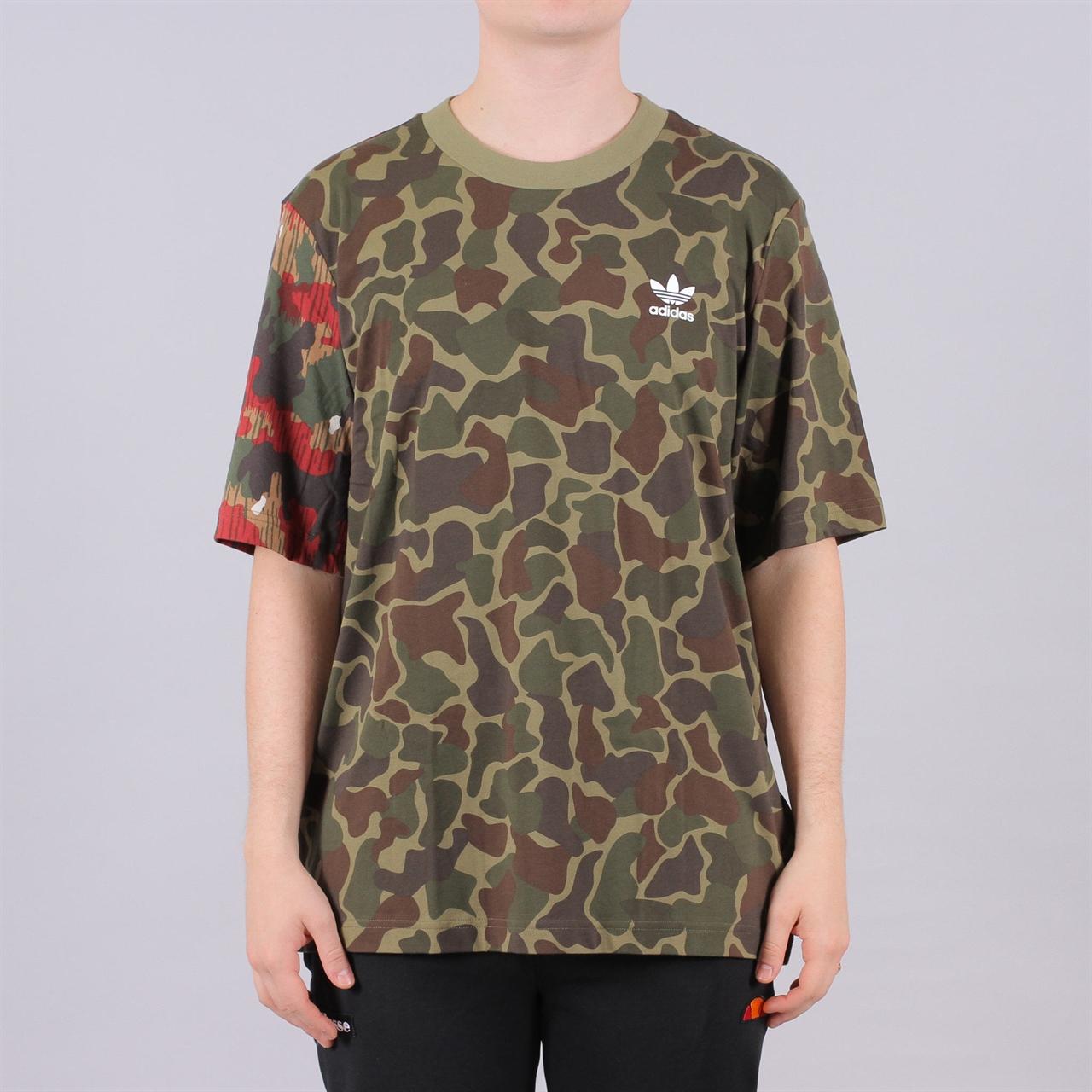 b22a13cc7b4e2 Shelta - Adidas Originals Pharrell Williams Hu Hiking Boxy Tshirt (CY7