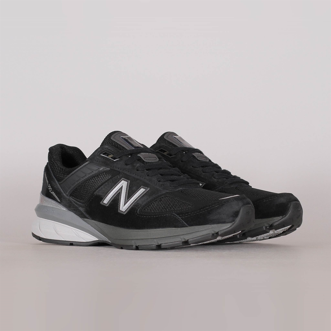 67bf7788e78b6 New Balance 990 V5 Black (M990BK5) - Shelta