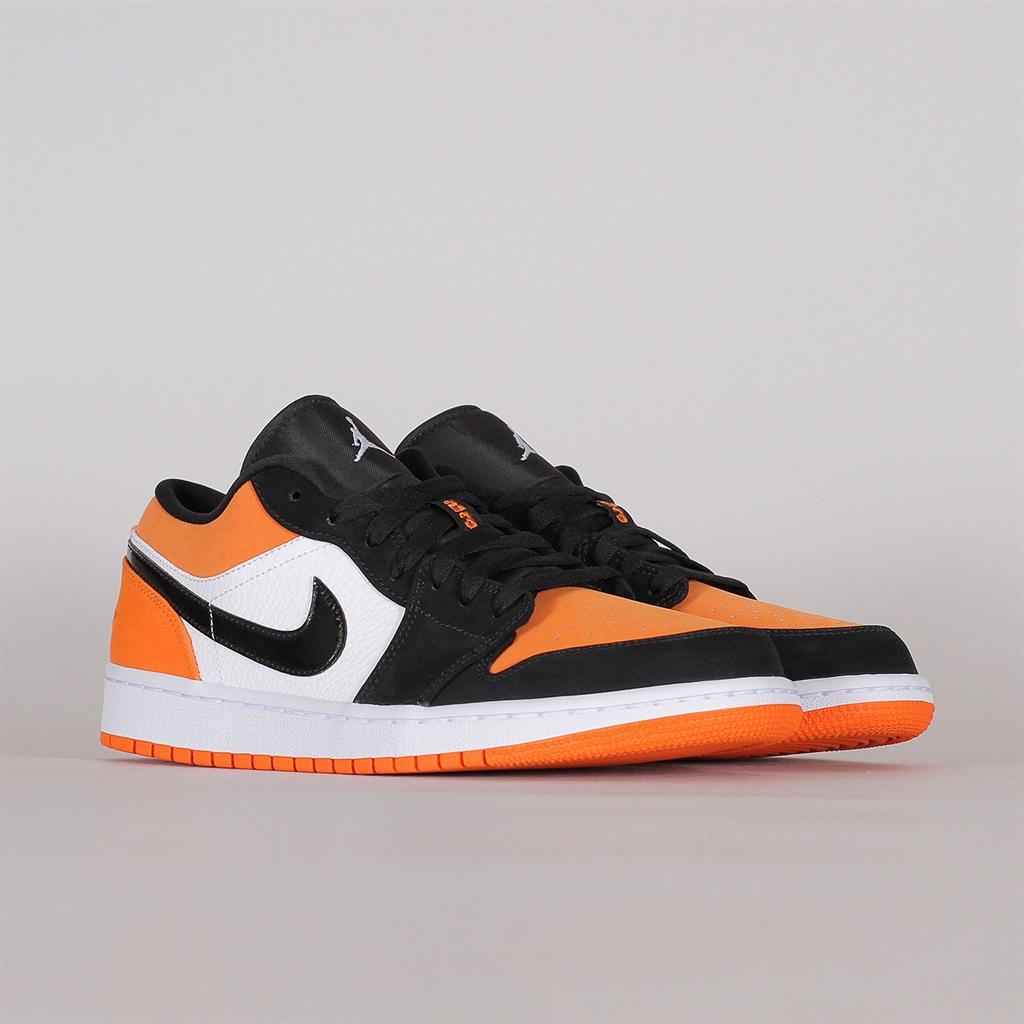 nike air jordan 1 orange low