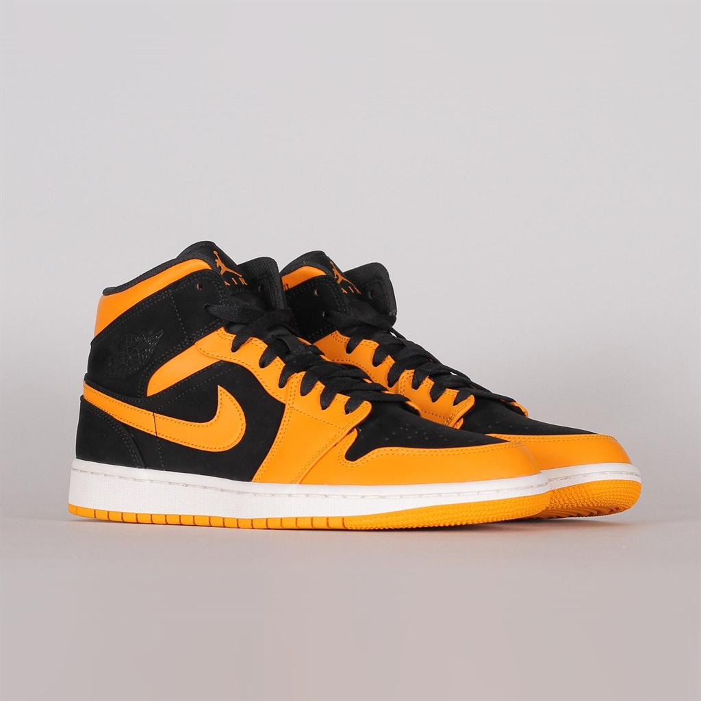 best authentic 0e154 2bbea Shelta - Nike Air Jordan 1 Mid (554724-081)