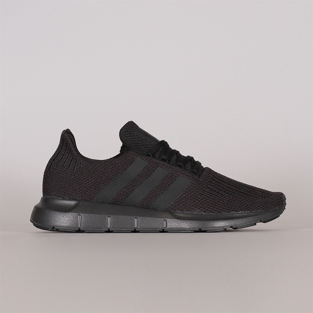 Köp adidas Originals SWIFT RUN Sneakers core brown