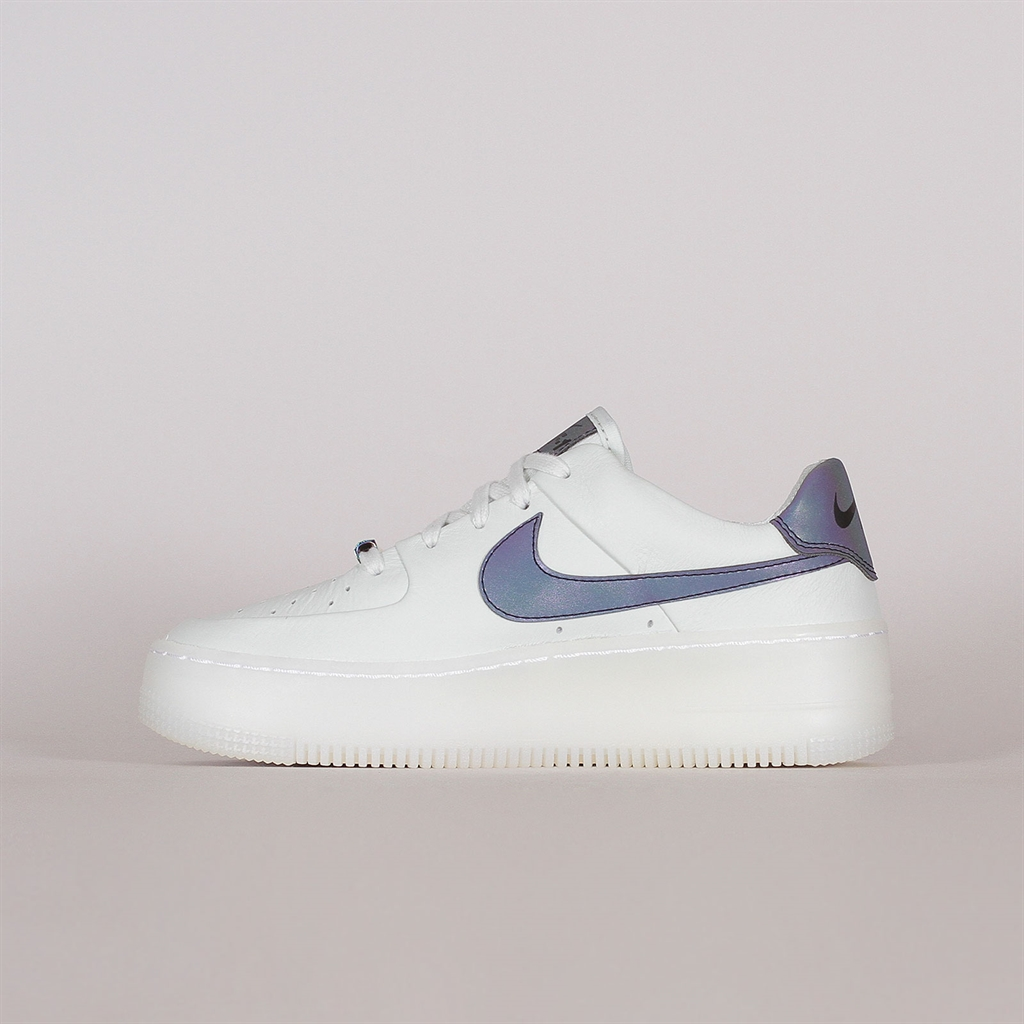 Shelta Nike Womens Air Force 1 Sage Low LX (AR5409 003)