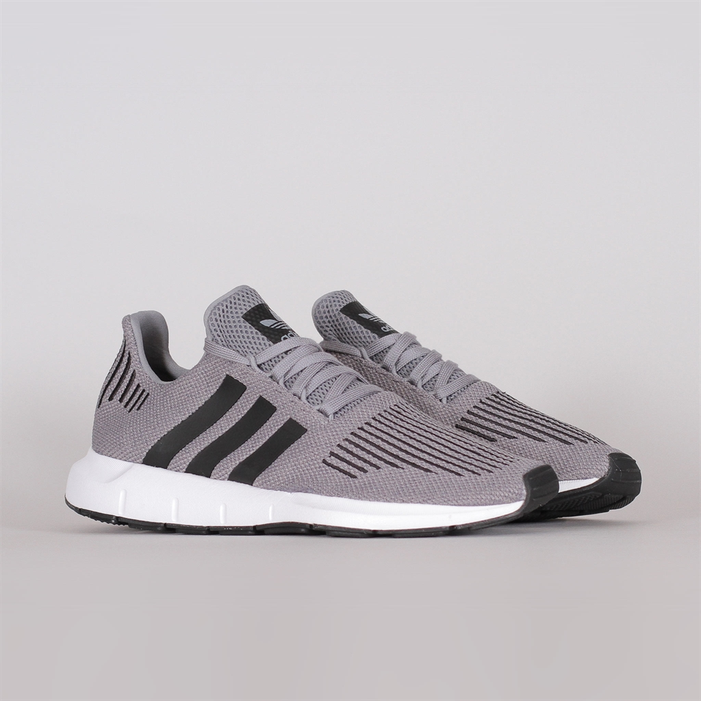3a2d71a7ed6 Adidas Originals Swift Run (CQ2115)