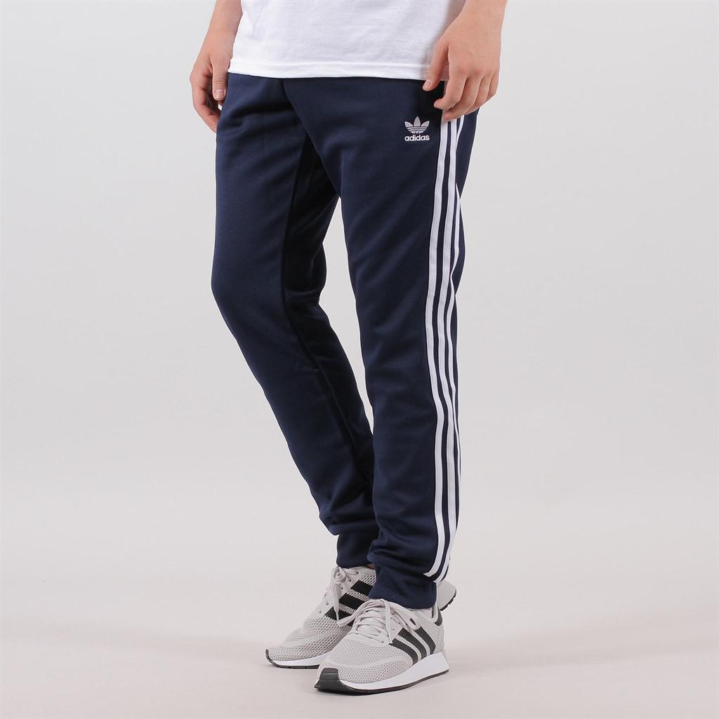 best cheap a41bd dc884 Adidas Originals Superstar Track Pant (DH5834)