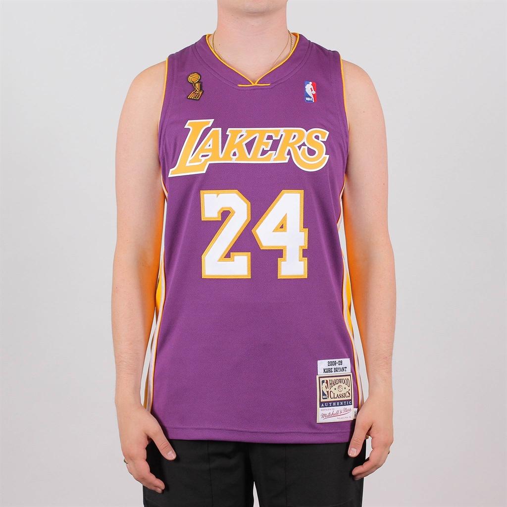 outlet store fcc17 8bd04 Shelta - Mitchell & Ness NBA LA Lakers Kobe Bryant #24 Swingman Jersey
