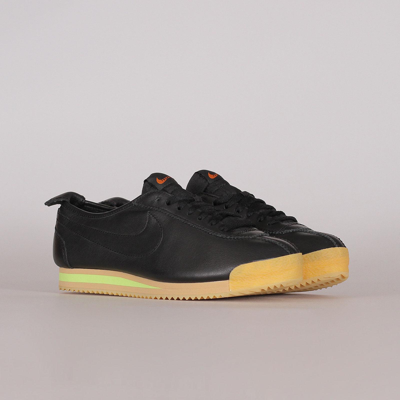 Shelta - Nike Sportswear Womens Cortez