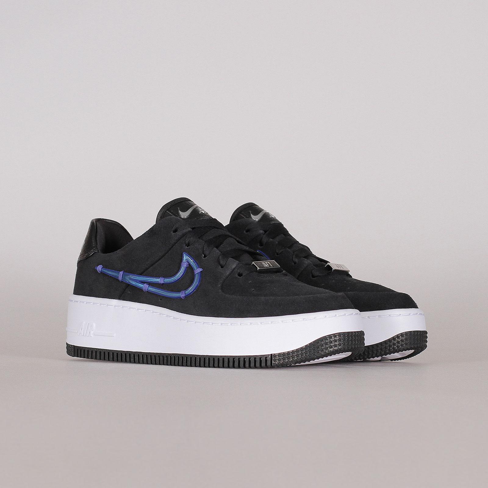 Nike Womens Air Force 1 Sage Low LX
