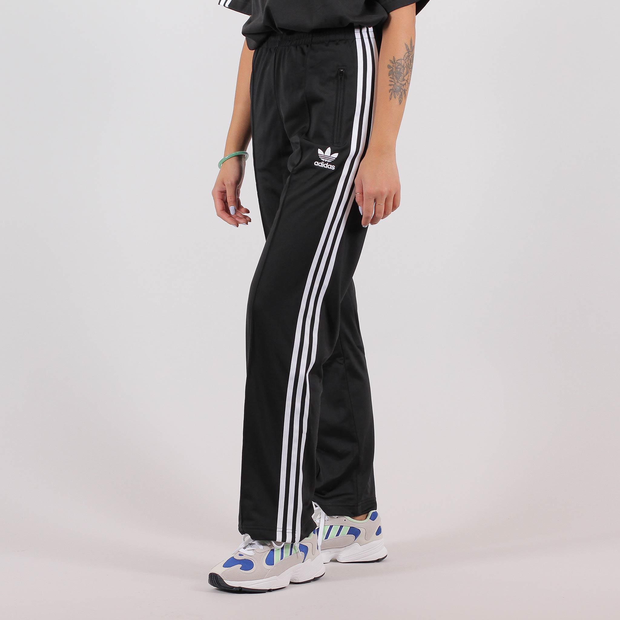 adidas fleece byxor
