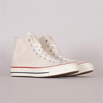 SHELTA sneakers & street fashion since 2004