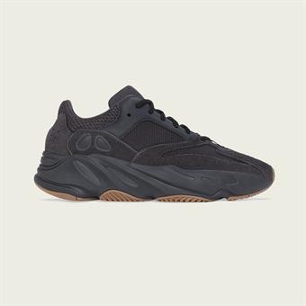 180238419da SHELTA - sneakers & street fashion since 2004