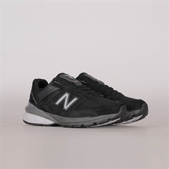 hot sale online e7811 8acda Nike Womens Air Max 1. Nike. 145 EUR. New Balance Womens 990 V5 Black
