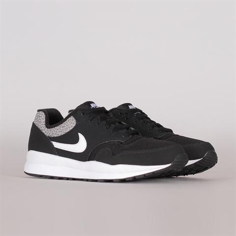 0e8e938a3dc58c Nike Sportswear Air Safari (371740-009) ...
